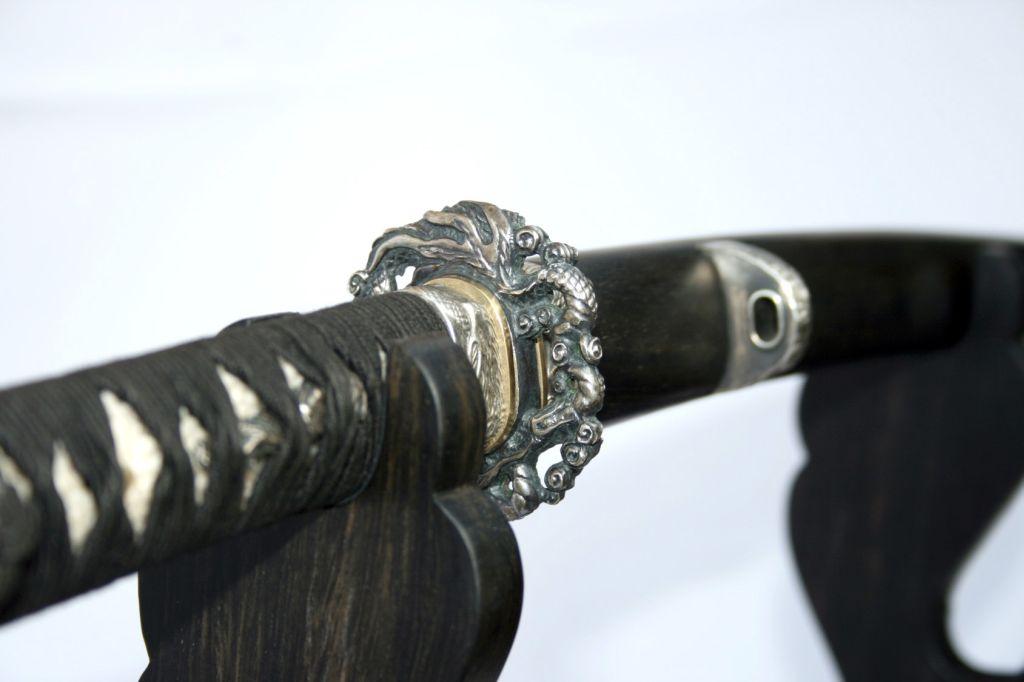 Катана - длинный японский меч